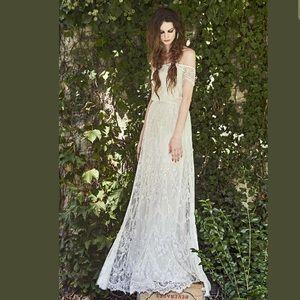Alice + Olivia Aurelia Off Shoulder Floral Gown